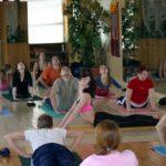 Занятие по аштанга-йоге в Одессе по руководством Ольги Шекир. Март 2004г. Фото девятое