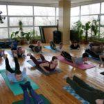 Занятие по аштанга-йоге в Одессе по руководством Андрея Внукова. Март 2004. Фото третье