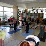 Занятие по аштанга-йоге в Одессе по руководством Ляшенко Генадия. Февраль 2004г. Фото десятое