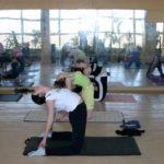 Занятие по аштанга-йоге в Одессе по руководством Ляшенко Генадия. Февраль 2004г. Фото третье