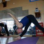 Занятие по аштанга-йоге в Одессе по руководством Ляшенко Генадия. Февраль 2004г. Фото пятое