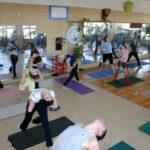 Занятие по аштанга-йоге в Одессе по руководством Ляшенко Генадия. Февраль 2004г. Фото шестое