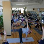 Занятие по аштанга-йоге в Одессе по руководством Ляшенко Генадия. Февраль 2004г. Фото седьмое