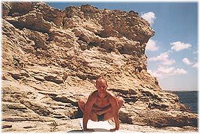 Йога в Крыму. Ярослав Саргюнас. 2001г. Фото первое
