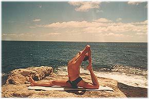 Йога в Крыму. Ярослав Саргюнас. 2001г. Фото второе