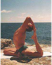 Йога в Крыму. Ярослав Саргюнас. 2001г. Фото третье