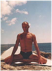Йога в Крыму. Ярослав Саргюнас. 2001г. Фото пятое