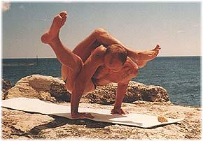 Йога в Крыму. Ярослав Саргюнас. 2001г. Фото седьмое