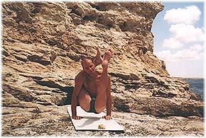 Йога в Крыму. Ярослав Саргюнас. 2001г. Фото девятое