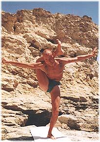 Йога в Крыму. Ярослав Саргюнас. 2001г. Фото десятое