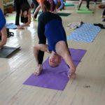 Занятие по аштанга-йоге в Одессе по руководством Александра Гортовлюка. Февраль 2004г. Фото двенадцатое
