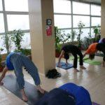 Занятие по аштанга-йоге в Одессе по руководством Александра Гортовлюка. Февраль 2004г. Фото третье