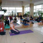Занятие по аштанга-йоге в Одессе по руководством Александра Гортовлюка. Февраль 2004г. Фото шестое